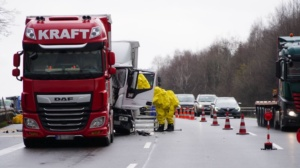 hedemuenden lkw unfall a7 19022020005
