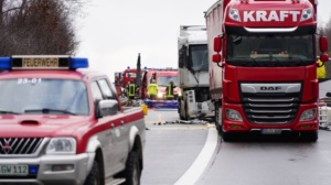 hedemuenden lkw unfall a7 19022020006