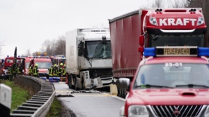 hedemuenden lkw unfall a7 19022020007