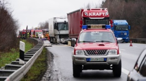 hedemuenden lkw unfall a7 19022020008