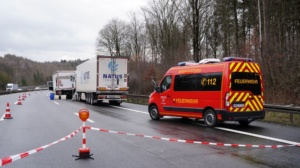 hedemuenden lkw unfall a7 19022020011
