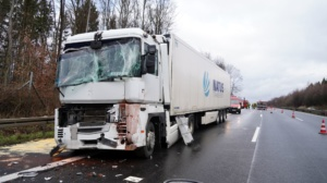 hedemuenden lkw unfall a7 19022020017