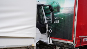 hedemuenden lkw unfall a7 19022020021
