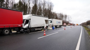 hedemuenden lkw unfall a7 19022020026